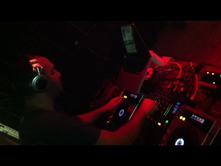 DJ ������� ��������� / ������ ���� �� ������� FAQcafe